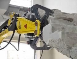 Riving av bygg med darda betongsaks